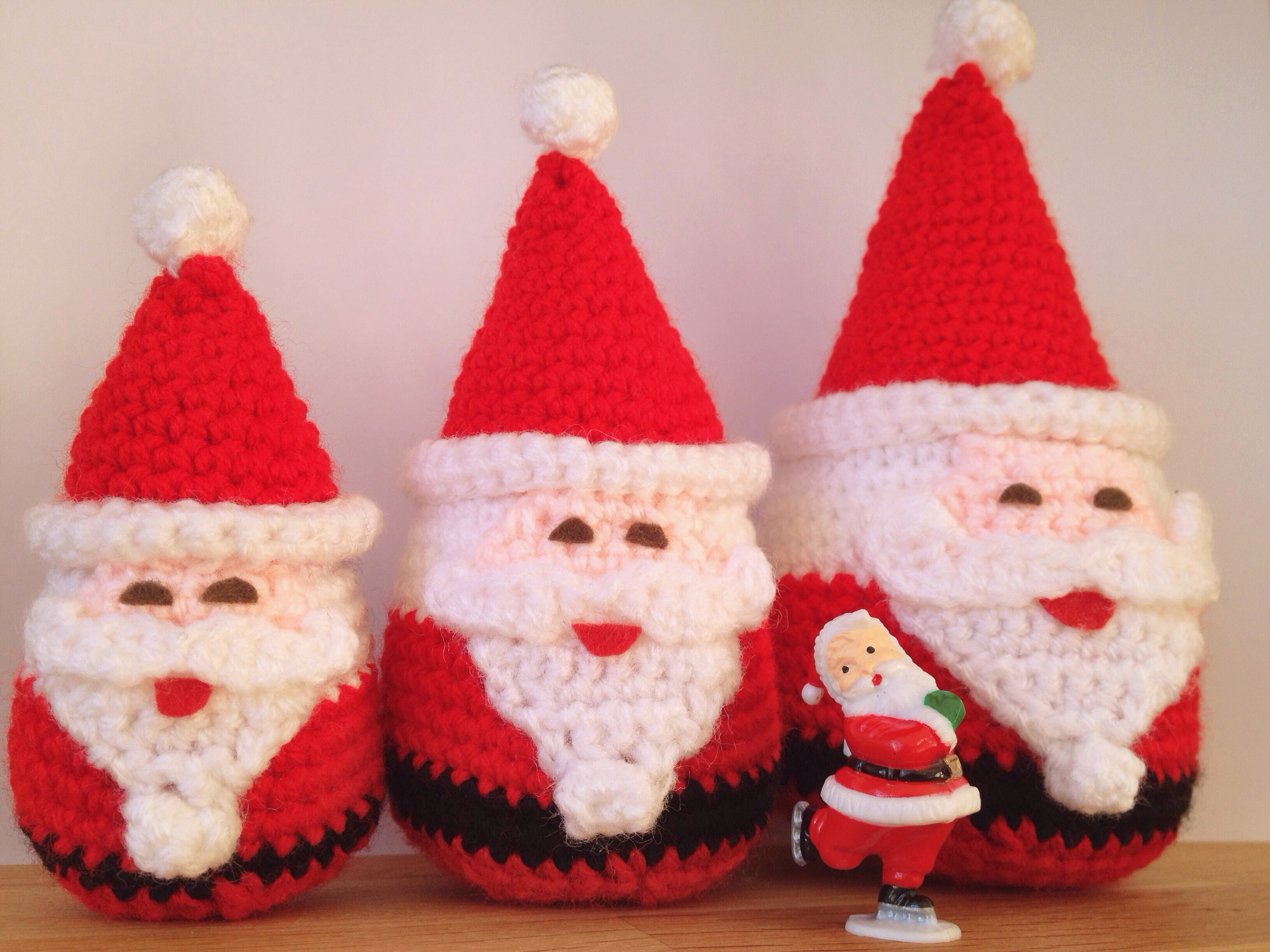 Free mini Santa hat pattern | Son's Popkes | 2448x3264